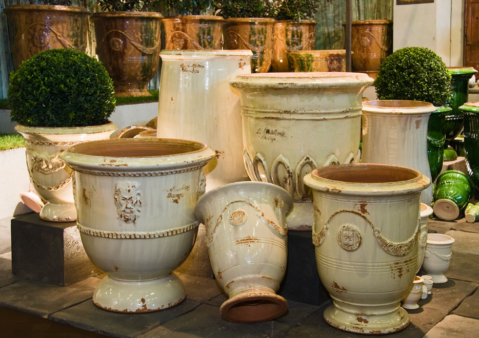 anduze terracotta garden pots the good house. Black Bedroom Furniture Sets. Home Design Ideas