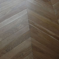 Chevron parquet, with oil factory finish